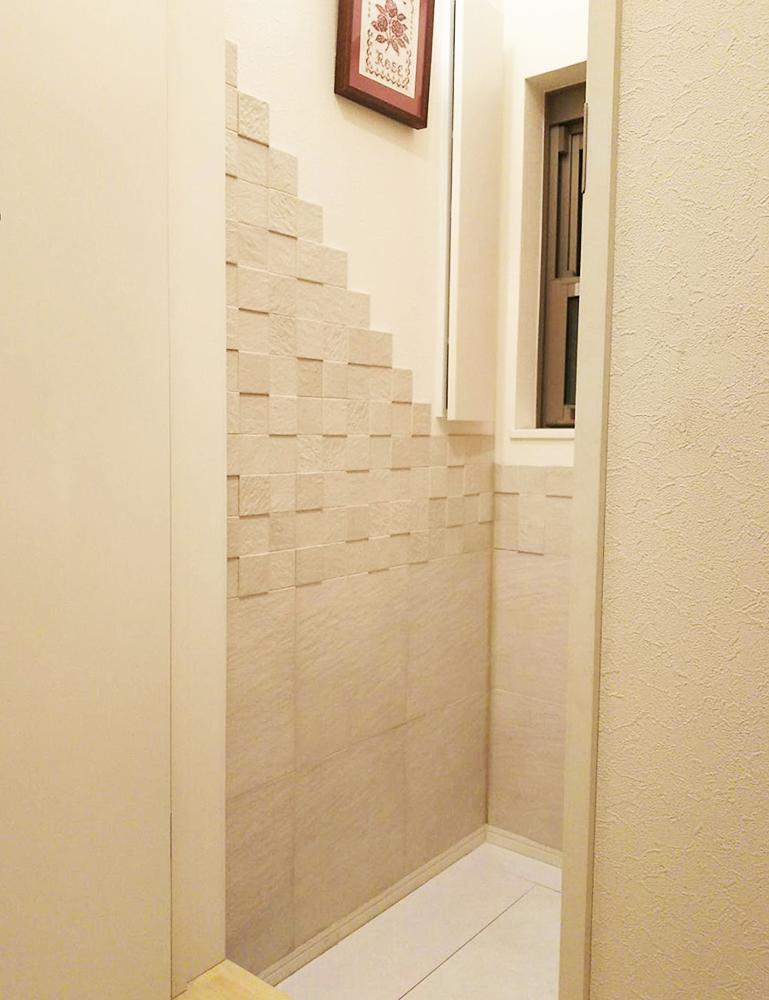 トイレ壁 エコカラットタイル