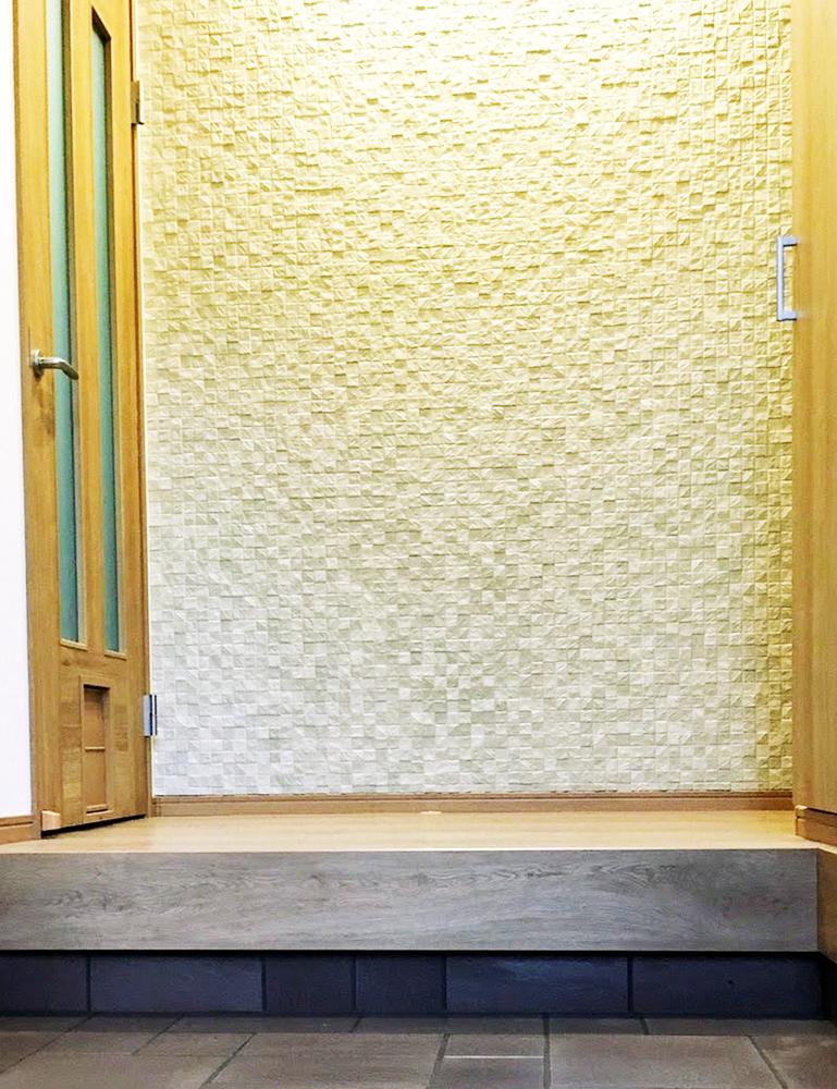 玄関壁 エコカラットタイル